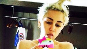 "Gel? Miley Cyrus trägt ""Verrückt nach Mary""-Frisur"