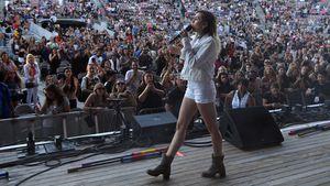 """Miley Cyrus bei Benefiz-Konzert: """"Ariana ist ein Vorbild!"""""""