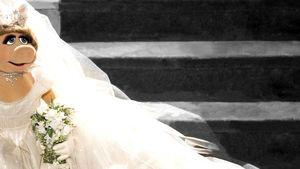 Oha! Miss Piggy ergattert Westwood-Hochzeitskleid