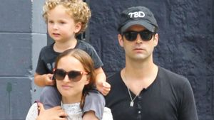 So süß! Natalie Portman zeigt sich mit Mann & Sohn