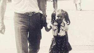 Moderatorin Nazan Eckes als Kind an der Seite ihres Vaters