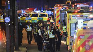 Notfallhelfer und Polizisten in London nach dem Anschlag vom 3. Juni 2017