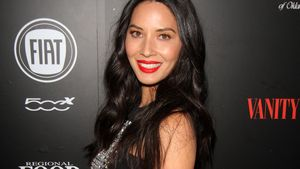 Olivia Munn im sexy Cut-Out-Dress