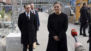 Prinz Daniel und Prinzessin Victoria von Schweden gedenken den Opfern von Stockholm