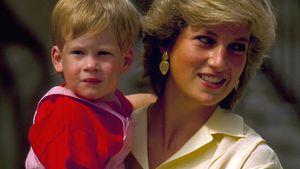 Prinz Harry mit seiner Mutter Prinzessin Diana