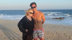 Rebel Wilson zeigt den Sixpack ihres Hotties Jacob Busch!