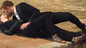 Robert Pattinson und Mia Wasikowska