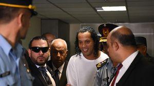 Gefälschter Pass: Ex-Kicker Ronaldinho in Paraguay in U-Haft