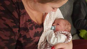 Stolze Tante: Sarafina Wollny hält Calanthas Tochter im Arm!