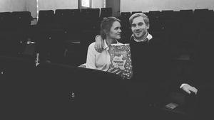 Zum Hochzeitstag: Samuel Koch mietet Kino für seine Sarah!