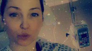 Girls-Aloud-Star Sarah Harding wegen Brustkrebs in Klinik