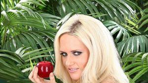 PETA lädt Sarah Knappik zum Veggie-Kochkurs ein