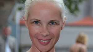 Sylvia Leifheit verteidigt Theresia und ihr Kuscheltier