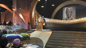 1. Bilder von Nelson Mandelas großer Trauerfeier
