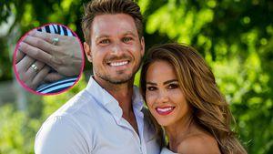 Funkelnder Anblick: Basti und Angelina zeigen ihre Eheringe