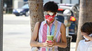 Ohne Stütze: Selma Blair schlendert munter durch die Straßen