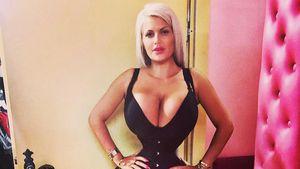 Oha! Sophia Wollersheim quetscht Busen in Hauteng-Kleid