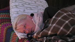 Steffi krank und Sommerhaus-Stars feiern: Ging das zu weit?