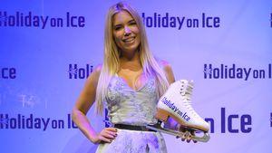 """Sylvie Meis als Erzählerin der """"Holiday on Ice""""-Show"""