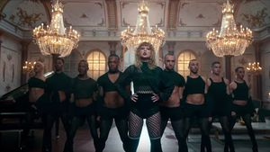 Adele entthront: DAS steckt alles in Taylors neuem Video!