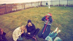 Taylor Swift mit Freunden an Thanksgiving