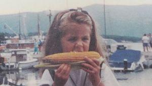 Erkannt? Vanessa Mai teilt süßes Foto aus ihrer Kindheit