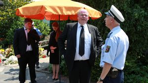 Walter Kohl vor dem Wohnhaus seines Vaters Helmut Kohl in Oggersheim