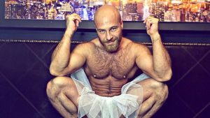 Sexpuppen-Ehemann Yuri klärt auf: Darum hat er Riesen-Nippel
