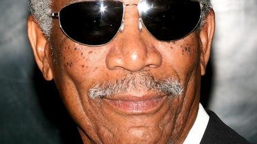 Morgan Freeman schläft während Live-Interview ein