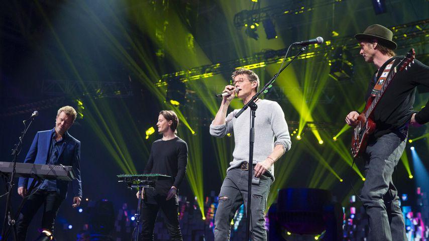 A-ha und DJ Kyrre Gorvell-Dahll bei einem Konzert anlässlich der Nobelpreis Verleihung 2015