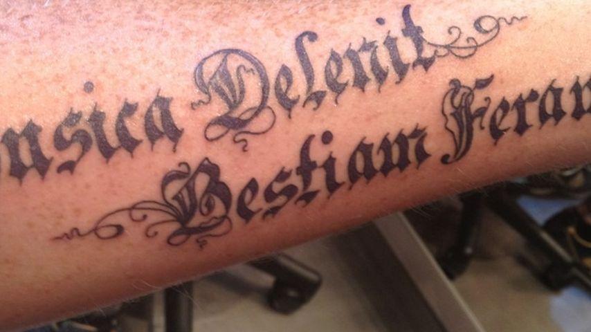 Adam Lambert: Neues Riesen-Tattoo am Unterarm!