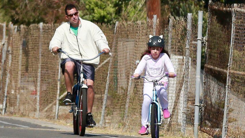 Süße Radtour: Adam Sandler genießt Vater-Tochter-Ausflug