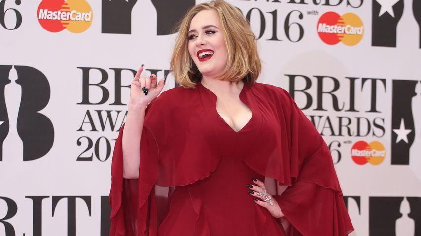 Adele bei den BRIT-Awards 2016