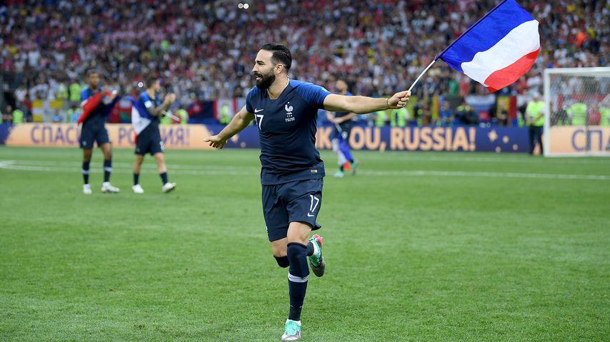 Adil Rami jubelt nach dem Gewinn der Weltmeisterschaft 2018