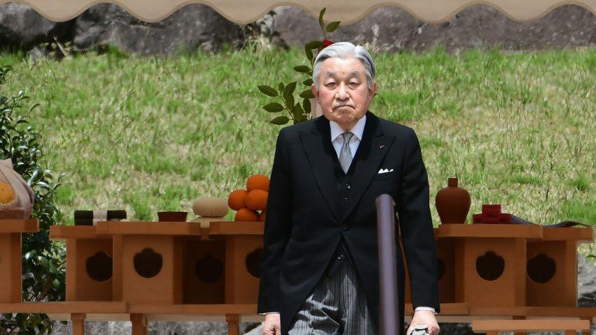 Nach Thronwechsel: Abgedankter Kaiser Akihito kollabiert!