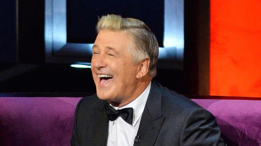 Außer Kontrolle: Alec Baldwin lässt im TV die Hose runter