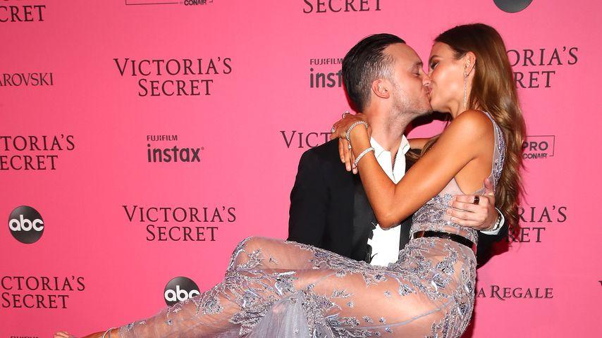 Alex DeLeon und Josephine Skriver bei der Victoria's Secret Fashion Show