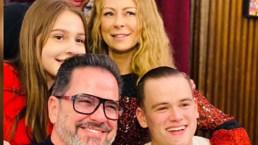 Alex Jolig, sein Sohn Paul, Adoptivtochter Tatjana, Ex Jenny Elvers und seine Frau Britt