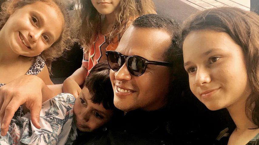 Alex Rodriguez mit seinen Kindern und J. Los Zwillingen