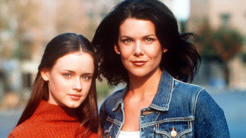 "Alexis Bledel and Lauren Graham in ""Gilmore Girls"""