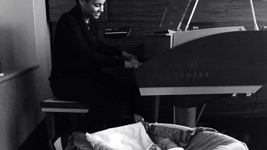 Im Tonstudio: Alica Keys' Baby ist überall dabei!