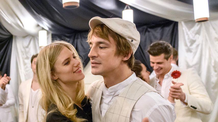 """Ist Larissa Marolts Rolle in """"Sturm der Liebe"""" schwanger?"""