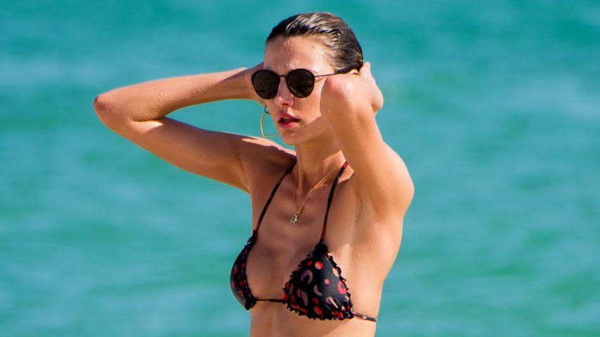 Model, Alina Baikova