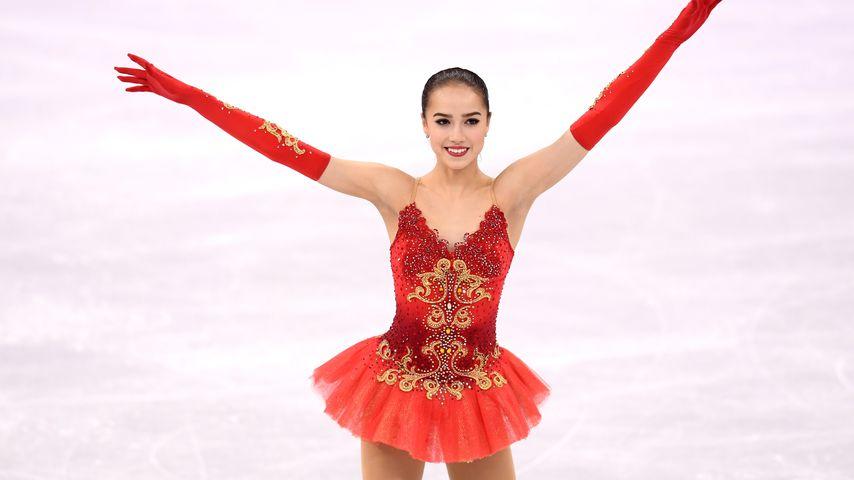 1. Gold für Russland: Eiskunstlauf-Queen Alina ist erst 15!