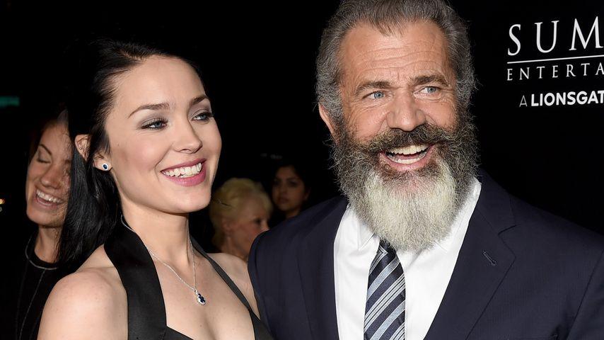 """Rosalind Ross und Mel Gibson bei einem Screening für """"Hacksaw Ridge"""" in Beverly Hills"""