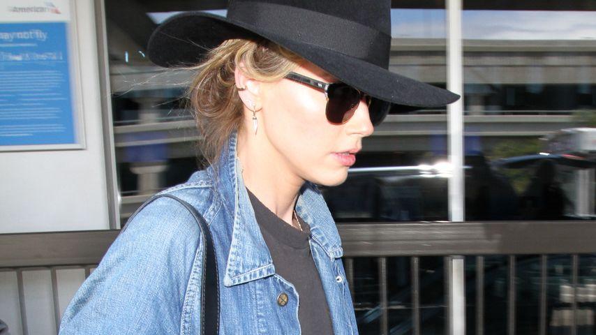 Amber Heard bei der Ankunft am LAX