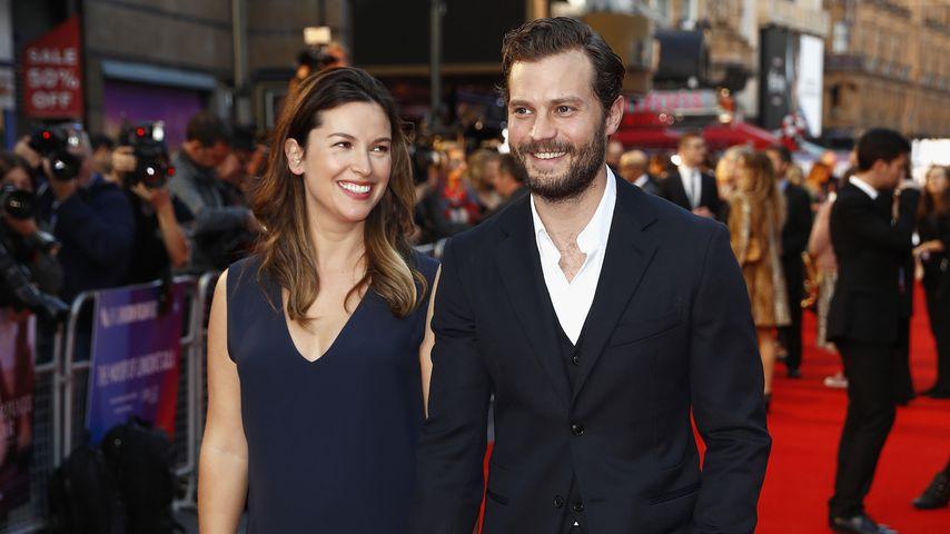 """Amelia Warner und Jamie Dornan bei der London-Premiere seines Films """"A Private War"""""""