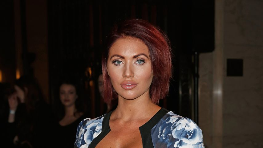 Amy Childs während der London Fashion Week