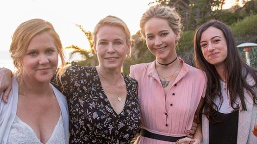 Amy Schumer und Jennifer Lawrence an Amy Schumers Hochzeitstag