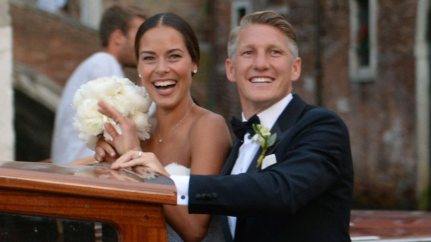 Ana und Bastian Schweinsteiger nach ihrer Hochzeit